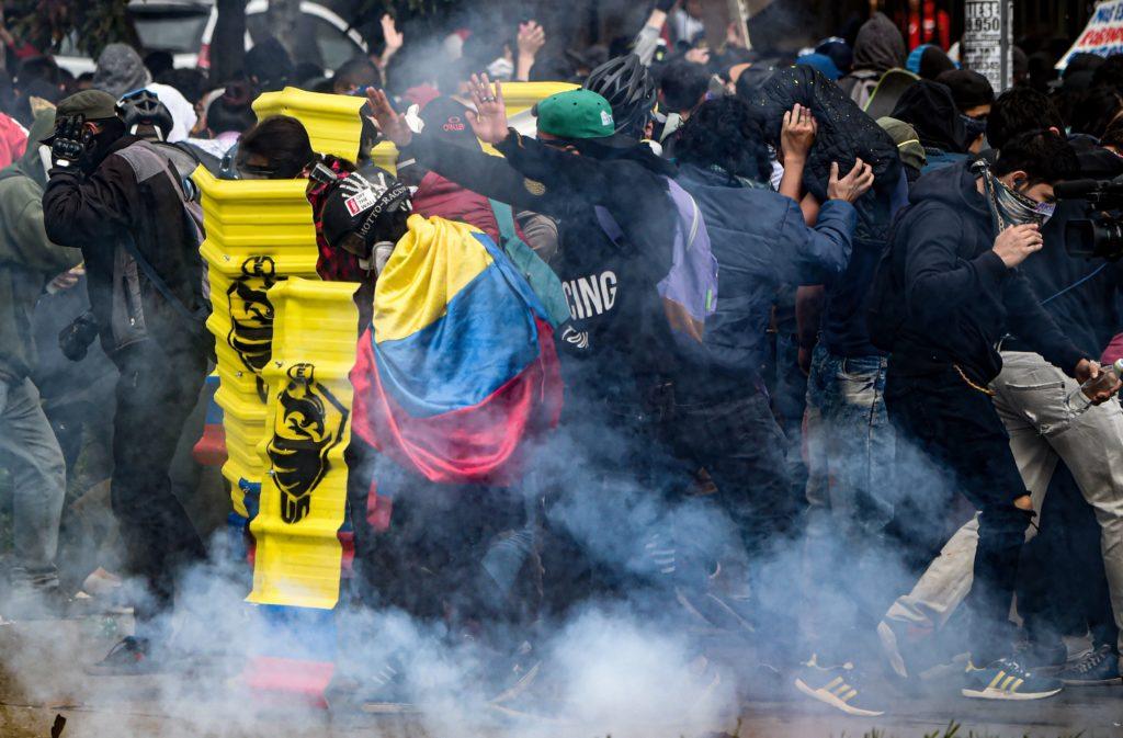 ประท้วงรุนแรงในโคลอมเบีย